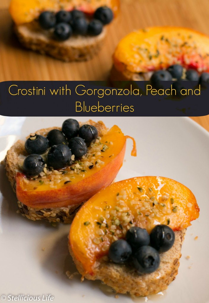 For a quick and easy (ready in 5 minutes!) but oh so delicious snack whip up these gorgonzola peach and blueberries crostini that will satisfy your sweet tooth, yet are healthy and good for you!