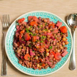 Make this oriental lentil casserole with bacon, carrots, beets and raisins, and sprinkle it with cinnamon for an unusual but extraordinary flavour combination.